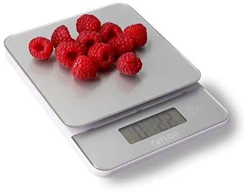 Taylor Balanza Digital de Vidrio de Cocina, Moderna, Compacta, Pesa los Alimentos con Alta Precisión y Función de Peso con Tara, Plata, 5 kg de Capacidad
